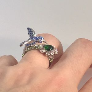 New Hummingbird ring with crystals, size 7.5, SS